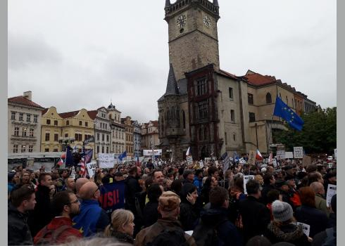 Ca. 15.000 Menschen füllten den Altstädter Ring.